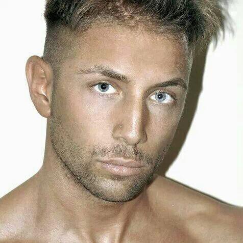 Spogliarellista Milano Tommy Libero